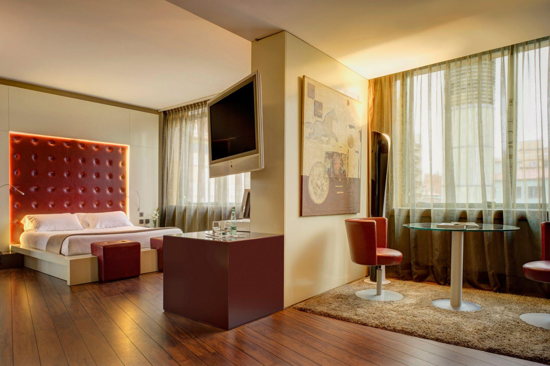 En Suite La Gi: Habitación Con Jacuzzi Privado · Hotel Carlemany Girona