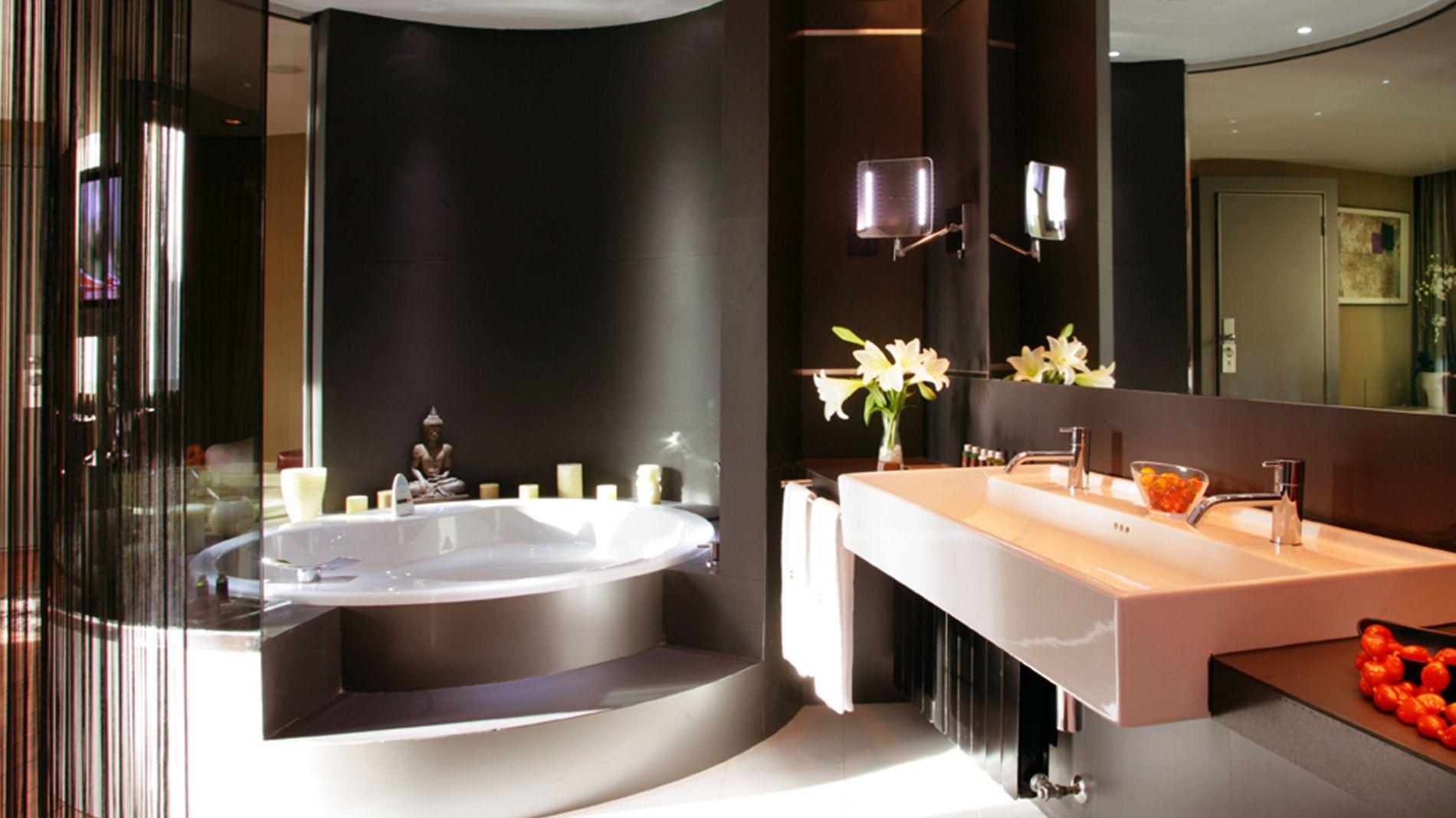Chambre avec jacuzzi privé · Hotel Carlemany Girona